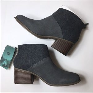 NWT TOMS Forged Iron Suede/Felt Mix Ankle Boot